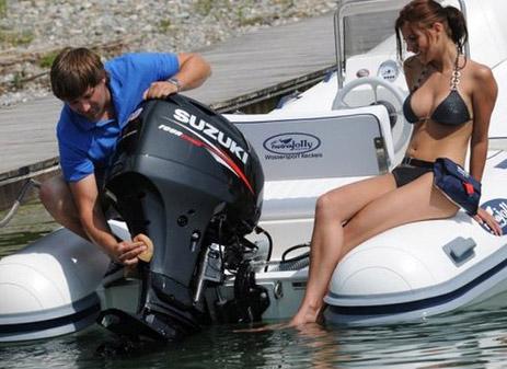 как подвесить мотор на лодку